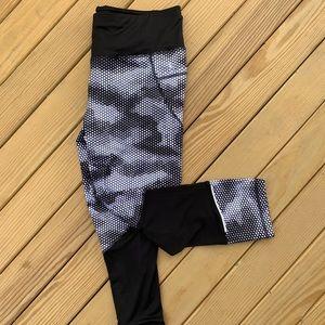 Danskin Black & White Leggings
